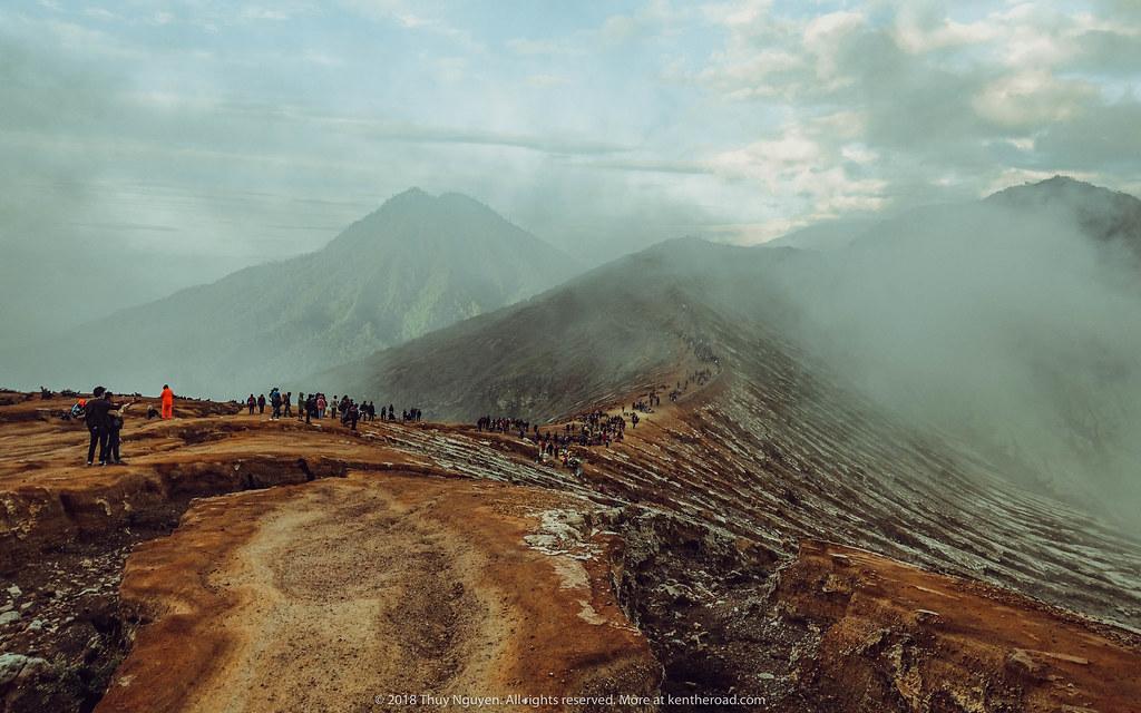 Khí Sunfua mù mịt ở Ijen