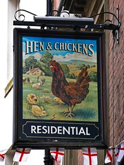 Sheffield, South Yorkshire (cherington) Tags: henchickens sheffield southyorkshire pictorialsigns pubsigns traditionalpubsigns englishpubsigns england unitedkingdom socialhistory innsigns