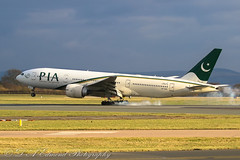 PIA B777 - Highlight of trip. (Dougie Edmond) Tags: ringway england unitedkingdom gb boeing 777 pakistan international airways plane airplane airport manchester canon winter sunlight