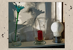 Stillleben mit Glasblume (1) (menzelhd) Tags: stillleben glasblume glas blume arrangement digiart tontrennung filter kantenbetont
