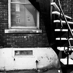 De dos aux voisins... (woltarise) Tags: appartements logements montroyal plateau reflets escalier brique mur iphone6s montréal