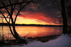 Final days of winter (melliottohaire) Tags: sunrise hudsonriver dutchess kingston rhinebeck