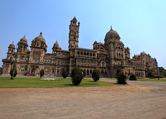 Laxmi Vilas Palace (Arvind Iyer Mobile Photos) Tags: palace architecture wideangle mobile phone lgv30 lg bluesky sky