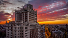 Gran Vía en carmín (pepoexpress - A few million thanks!) Tags: nikon nikkor d750 nikond750 nikond75024120f4 pepoexpress madrid granvíademadrid granvía edificioespaña cielosdemadrid city citynight cityscape cielo skylinearchitecture skyline architecture copyright all rights reserved do use photography withaut permision allrightsreserved