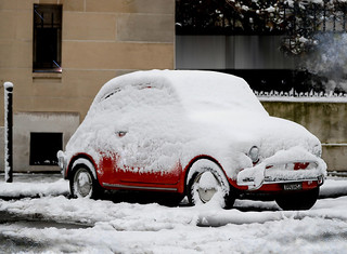 Paris car snowed