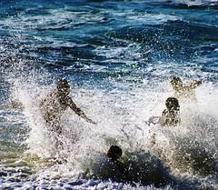 Sel de mer... (Sabine-Barras) Tags: réunion water eau océan ocean sea mer people personnes silhouette bleu blue beach plage waves vagues