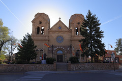 Santa Fe - Cathedral Basilica of St. Francis of Assisi (Michael.Kemper) Tags: canoneos6d canonef2470f4lisusm canon eos 6d ef 2470 f4 l is usm voyage travel travelling reise usa us united states america vereinigte staaten von amerika american southwest amerikanischer südwesten new mexico newmexico nm santa fe santafe cathedral basilica saint francis assisi kathedrale basilika kirche church franz