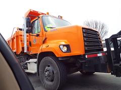 Kentucky Blizzard Squad (EX22218 - ON/OFF) Tags: orange blue red black white branches daimler trucks tesla transportation work heavyduty freightliner cleveland silver diamondplate letsguide