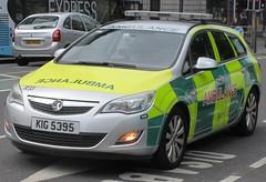 Northern Ireland Ambulance Service (KIG 5395) (ferryjammy) Tags: nias ambulance kig5395 r33 northernireland rrv