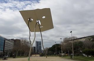 """""""David i Goliat"""", escultura d'Antoni Llena."""