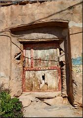 door with a cat flap (mhobl) Tags: catflap door old amtoudi kaputt maroc morocco antiatlas ruin