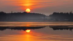 Sonnenaufgang am See (Lutz.L) Tags: natur outdoor see leipzig leipzigerneuseenland landschaft leipzigknauthain wasser sonne sonnenaufgang sachsen himmel cospudenersee