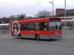 Veolia FM52GKX Alfreton (Guy Arab UF) Tags: veolia fm52gkx dennis dart slf plaxton pointer alfreton bus station derbyshire buses
