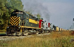 LSRC 281 in Alpena,Michigan on October 6, 2007. (soo6000) Tags: lakestatesrailway lsrc 281 c425 alco lsrc281 alpena michigan manifest freight switchjob 325 shortline