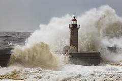 Felix storm meets Felgueiras lighthouse (RuiFAFerreira) Tags: storm waves bigwaves landscape seascapes lighthouse beauty canon exterior nature portugal porto