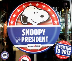 2016-Snoopy for President Window Sign Outside SDCC-01 (David Cummings62) Tags: sandiego ca calif california comiccon con fans dressup cosplay davidcummings davecummings 2016 outside photo peanuts snoopy snoopyforpresident windowsign sign art