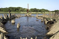 Ripples And Ribs II: Hold That Pose (95wombat) Tags: old abandoned rotted decayed derelict rusty decrepit marinegraveyard arthurkill statenisland newyork