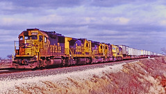 ATSF 3837 West (MKT okie) Tags: santafe illinois piggyback atsf