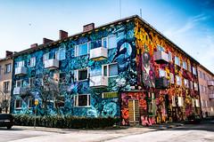 Mural (Maria Eklind) Tags: andreassolstråle muralkonst art streetartmalmö sweden graffiti streetart adreaskällberg publicart mural olakalnins colorful malmö pontuspersson dansapunar konst robbincarlzon outdoor seved kalleheijkensköld skånelän sverige se