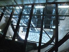 DSCF3934 (bvellieu) Tags: hamburg landungsbrücken pier stpauli elevator