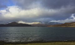 IMG_7393 (Sula Riedlinger) Tags: isleofmull mull scotland scottishlandscape landscape uklandscape britishlandscapes coast coastline ukcoastline sea seascape weather clouds cloud mountain winter winterlandscape snow snowscape wintersnowscene scenicroad scenicroute