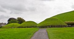 Megalithgrab / Megalithtomb # 3 (schreibtnix on 'n off) Tags: reisen travelling irland ireland knowth brúnabóinne geschichte history megalithgrab megalithtomb olympuse5 schreibtnix