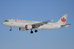 ACA A320 (djrxxs) Tags: cyycyyccalgary aircanada airbus a320