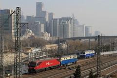 I_B_IMG_8416 (florian_grupp) Tags: asia china locomotive train railway railroad passenger diesel electric beijing station citywall beijingmainstation chaoyang peking cnr chinanationalrailway traffic bluesky