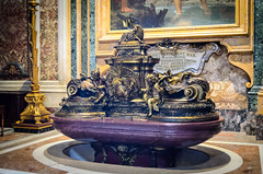 Taufbrunnen (Markus Wollny) Tags: city vatikan rom cittàdelvaticano vatikanstadt it
