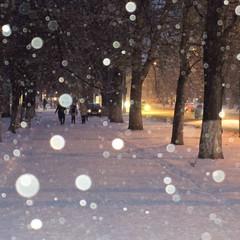 *** (TheDeepestPurple+) Tags: 2018 odessa ukraine spring snow snowfall street urban pentax pentaxart q7 515mm smcpentaxf2845515mmedalif evening outdoor