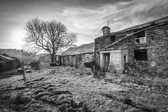 Lletty Gwilym (Ffotograffiaeth Dylan Arnold Photography) Tags: derelict farmhouse house dwelling abandoned eerie blackandwhite monochrome farm wales cymru welsh llettygwilym dilapidated broken home rural urbex outdoors countryside