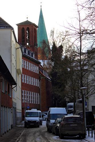 "Klosterkirchhof • <a style=""font-size:0.8em;"" href=""http://www.flickr.com/photos/69570948@N04/38902222480/"" target=""_blank"">Auf Flickr ansehen</a>"