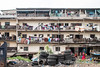 The weekly wash (10b travelling / Carsten ten Brink) Tags: 10btravelling 2017 abidjan africa africaine african afrika afrique blockhauss carstentenbrink cocody cotedivoire elfenbeinkueste iptcbasic ivorian ivorycoast westafrica africain balcony building clothes cmtb drying ivoirien ivoirienne laundry tenbrink washing