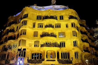 La Pedrera (Casa Milà) - at night  ♪♫