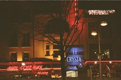 Reims Night Life (Mimi & Oly) Tags: olympusom10 olympus colors colorfilm fuji fujifilmpro400 fujifilmpro400h fujifilm pro400h pro400 fujipro400 fujipro400h film filmcamera filmphotography argentique olympusom om reims photoargentique photographieargentique photo photography photographie street streetphotography rue photoderue photographiederue nature trees flowers green building architecture historicalmonument buildings