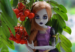 ashberry (Alice_Milich) Tags: once upon zombie rapunzel