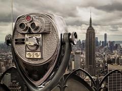 New York.- Rockefeller Center (LUIS FELICIANO) Tags: newyork usa eeuu rascacielos edificios ciudad nubes airelibre casas arquitectura olympus e5 lent1260mm rockefellercenter