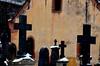 Les croix noires  -  Black crosses  (1) (Philippe Haumesser Photographies (+ 5000 000 views) Tags: cimetière cimetières cemetery cemeteries croix cross crosses noiretblanc blackandwhite monochrome riquewihr alsace elsass france hautrhin 68 nikond7000 nikon d7000 reflex 2018 neige snow hiver winter