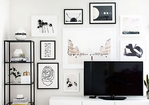 Furniture  - Living Room : modern black and white gallery wall
