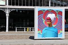 City Life (2015) (just.Luc) Tags: photo foto art kunst public publiek outside vrouw femme frau donna mujer woman portret portrait ritratto retrato porträt parijs parigi paris france frankrijk frankreich francia frança europa europe îledefrance