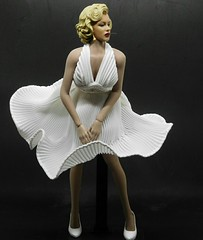 1/6 scale Marilyn Monroe (Cremdon) Tags: 16action 16scale marilynmonroe phicen tbleague 16 actionfigures