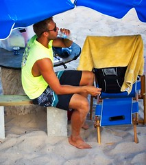 Beach Retail People (LarryJay99 ) Tags: 2018 lakeworth florida lakeworthbeach atlanticocean men male man guy guys dude dudes people feet barfoot facialhair peekingpits stubble blue sandylegs bulge bulges sexyguy sexy stud legs glasses sunglasses