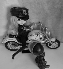 A For Arresting Officer (marilyntunaitis) Tags: aarrestingofficer pullip walkingdead motorcycle melissa
