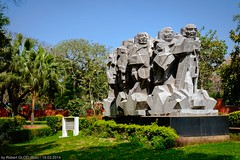 New Delhi - Dandi March Statue at the National Gandhi Museum (Robert GLOD (Bob)) Tags: mahatmagandhi art carving famouspeople gandhi hindu hinduism mahatma park religion religious sculpture spiritual spirituality delhi newdelhi in ind india