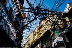 Old Delhi - Wired (Robert GLOD (Bob)) Tags: architecture building cables construction sky voltage wires delhi newdelhi inde ind in india streetphotography allfreepicturesjuly2018challenge