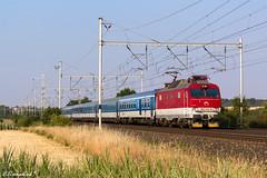 """ZSSK 350 013 mit EC 276 """"Slovan"""" (TheKnaeggebrot) Tags: zssk cd 350 350013 klučov ec eurocity ec276 slovan"""