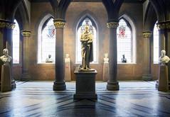 Galería Nacional Escocesa del Retrato (hector =D) Tags: edimburgo escocia galería nacional escocesa del retrato perteneciente galerías nacionales scotland edinburgh europe europa arte art retratos estatuas