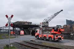 2018-Feuerwehr am Oosten (mercatormovens) Tags: frankfurt mainufer city feuerwehr oosten ostend