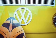 Voigtlander VF101 VW Bus & Surfboard (▓▓▒▒░░) Tags: analog mechanical vintage classic retro 35mm film camera design style car auto automobile dealer road germany 1970s singapore vw volkswagen surf beach bus microbus van