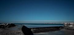 Mais quel est bleu mais quel est bleu (BEN13008) Tags: plage sea blue marseillebonnemerecielbleu olympus poselongue nd1000 ngc